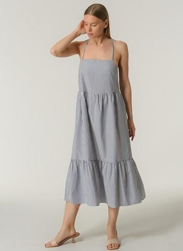 People By Fabrika Kadın Çizgili Sırt Detaylı Elbise PFKSS21EL0171 Lacivert